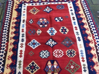Qashqai Kelim 280 x 145 cm, beautiful colours and drawings, in good condition (ony the fringes, see picture)