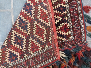 Turkoman Asmalik wonderful colors and excellent condition all original size with tassel 100x110 cm without tassel 70 x 1,10 cm Circa 1900-1910