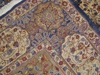 Indian rug in Good condition measuring 365 x 274 cm.