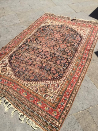 Attractive Qashqai rug 2.50m x 1.60m