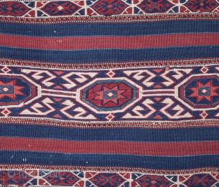 Western anatolian Bergama Chuval 67 x 104 cm
