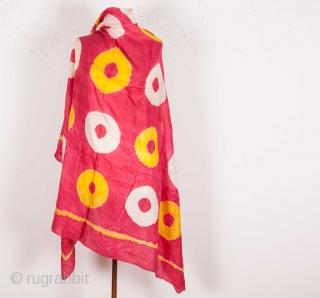 Central Asian Uzbek Tie-dye Silk size: 140 x 140 cm / 4'7'' x 4'7''