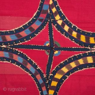 Central Asian Suzani from Tashkent Ubekistan 195 x 230 cm / 6'4'' x 7'6''