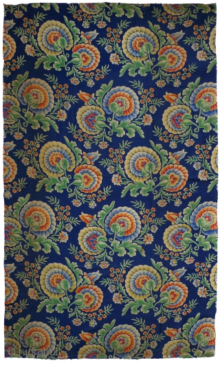 "Russian roller-printed cotton cloth. Produced in Russia for export to Central Asia. c.2nd quarter 20th century. This fabric was used as the backing of an Uzbek quilt (""kurpa""). As a result there  ..."