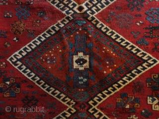 Fine Antique  Yurück  East - Anatolien 19 th. century    133  X  186  cm  superb  naturel  colours ,slight reweaves ,    slight  wear  ...