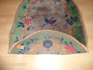 Antique  Chinese  rug  Art  Deco  round 1920  ,  56 X 74 cm. .