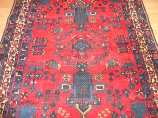 Antique  very  nice  Vase  Afshar  rug  round  1900   135 X 165 cm.