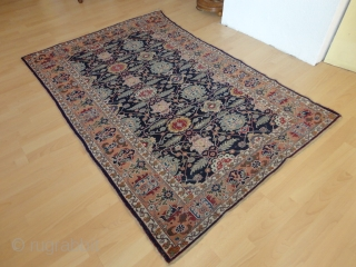 Antique  Kayseri   rug  round  1900   119 X 175  cm.
