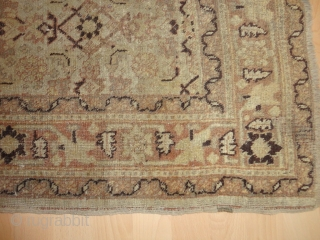 Antique  Täbris - Hadji Jalili  Nord-West  Persian  round  1900     121 X 158 cm.  All natural  typical  pastell  colours  ...