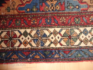 Antique   Malayer  rug Nord-West  Persian  137 X 190 cm.