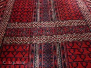 Antique  Tekke  Hatshlu  122 X 155  cm.  Natural  Colors ,     very  fine  wool . slight  wear  in  ...