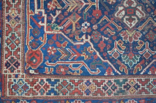 Antique Khamseh with one big medallion 158 x 202 cm