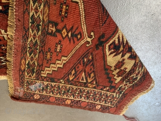 Nice Turkmen Kizil Ayak Torba, good age, both ends are fixed and the sides newly wrapped, one coin-sized restoration, generally in good condition, 113 x 32 cm, 28,07 x 8,12, inch
