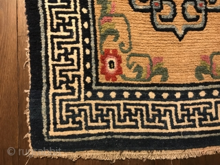 """charming tibetan khaden, central tibet, late 19th century, 160 x 74 cm, 5´3""""x 2´5"""", wool on wool, all natural colors, full pile, no restoration, ends original."""