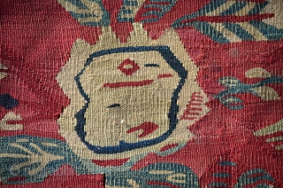 I am very proud to present you this finely woven antique Pirot Sarkoy kilim with great uncatalogued design.Very poetic,abstract and powerful. early XIX century.