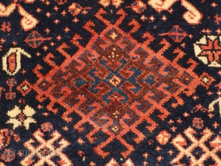 This is one highlight of our annual Advent Bazaar: 1044 Arabi khorjin half, Khamseh confederacy, 65/61 cm, SW Persia, 1st quarter 20th century, outstanding wool quality, interesting back side (sofreh / backgammon  ...