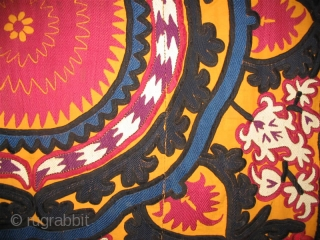 We want to offer wonderful Uzbek antique suzani from Djizakh region near Samarkand, early of 20th century.
