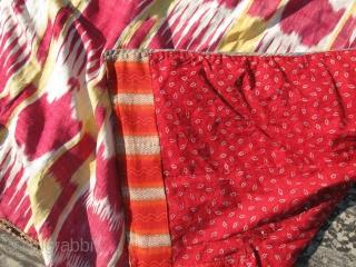 Antique Uzbek IKAT coat. In excellent condition, large size.