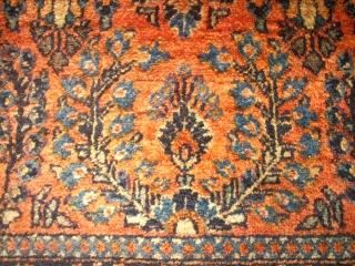 Antique persian Sarough. Size: 59 x 115 cm. Ends open. Very good pile. fine knotting.