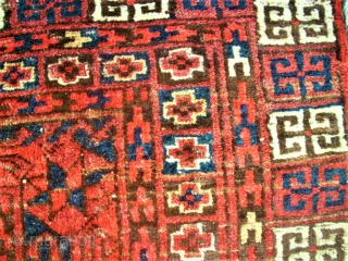 antique turkmen Hatshlu rug. Size: 143 x 173 cm. Damaged. Holes.