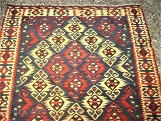 Very nice caucasian kilim. Size : 114 x 170 cm. Good condition.