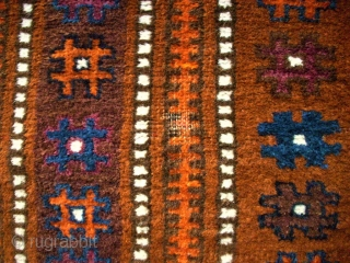 Antique Baluch rug. Size: 96 x 163 cm.