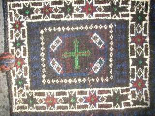 Old Baluch double side small bag. Size: 37 x 38 cm. Good condition.