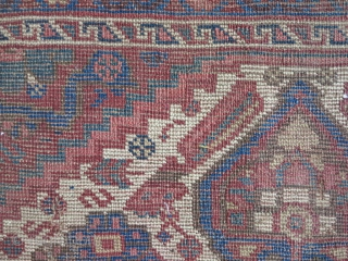 A very old fragment Khamseh wool on wool size: 215 x 165 price:SOLD