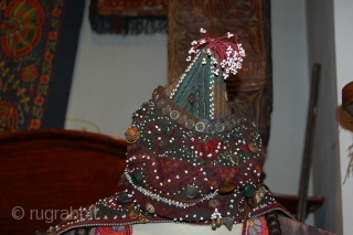 A PASHTUN AFGHAN MARRIAGE HEAD FROM AFGHANISTAN IN A VERY GOOD CONDITION. FOR MORE INFORMATIONS, PLEASE CONTACT ME