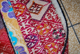 a beautiful hand made swati pillow from Pakistan. for more informations, PLEASE CONTACT ME