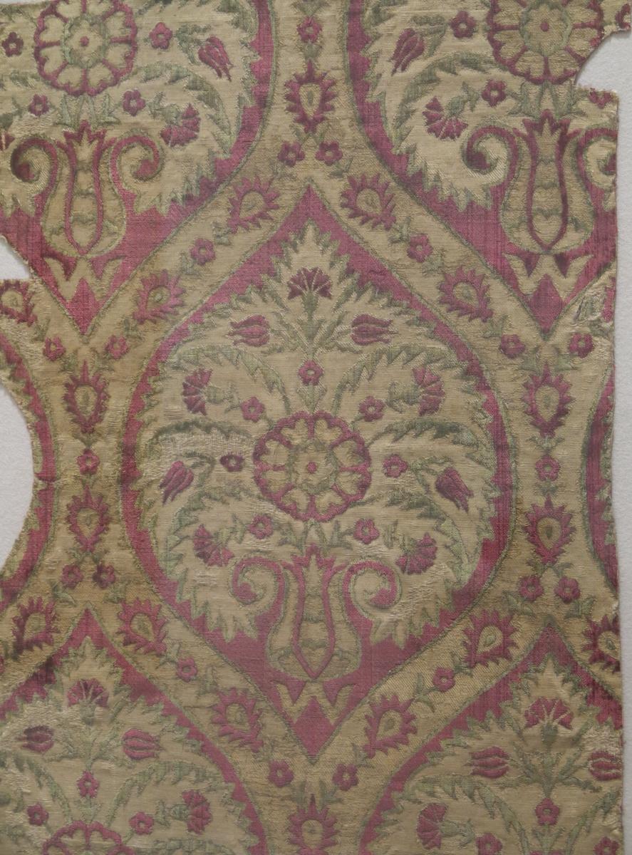 M Antique Rugs
