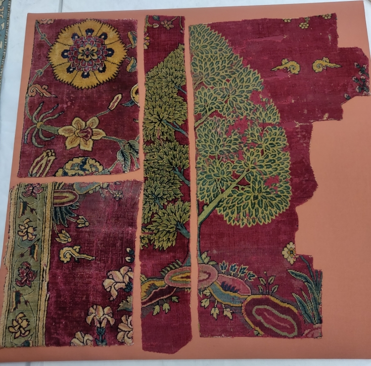 Hali Magazine: V&A Textiles at Blythe House, London, Mughal carpet fragments