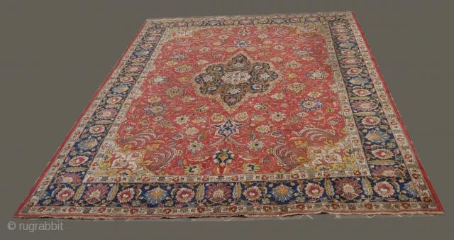 Old and rare TABRIZ persian carpet, 1930 (Persia)  Good condition.  12,1' x 9,8'  (394 x 296 cm)
