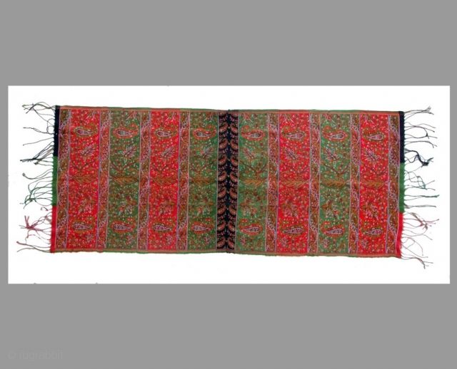 """KAN-KARI SHAWL from Southen Persia 53 x 125cm South Persia Second half 19th century Wool The shawl was stitched together in the middle from two identical pieces. Woven in """"kan-kari"""" technique  Perfect condition  Feel free to ask for more  ..."""