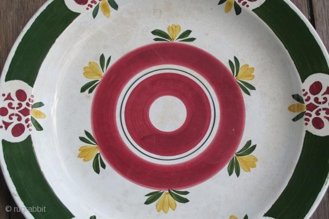 I. E. Kuznetsov Plate. Russia. 1880's. D = 34 cms. Excellent condition.