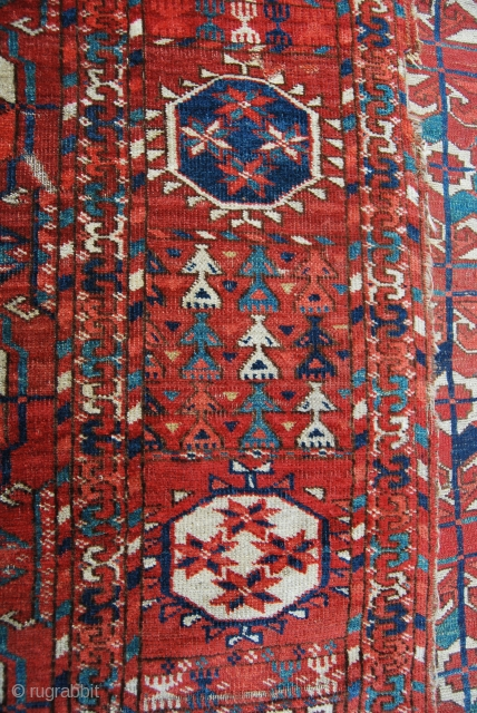 Turkmen Tekke main rug. Cm 200x222 ca. Mid 19th c. Very very thin. With a fantastic border. All wool. Several condition issues and unluckily far too fine to be restored, but at  ...