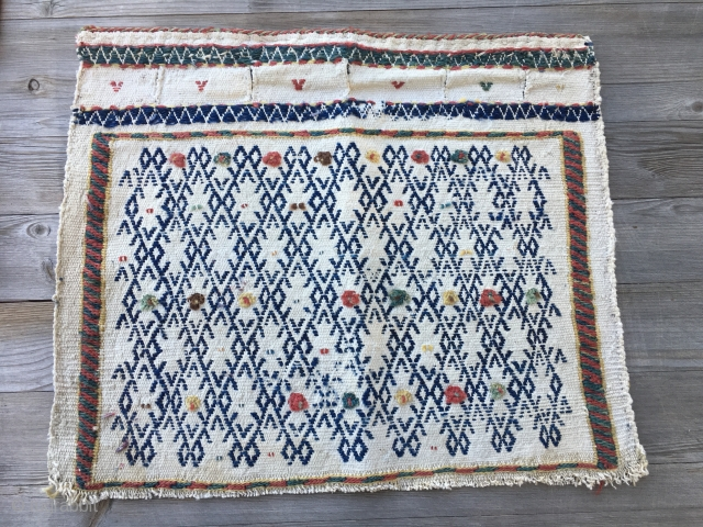 Qashqai khorjin bag face. Cm 38x44. Late 19th/early 20th c. Sweet, natural dyed, inexpensive. Buy it with the Anatolian heybe bridge.