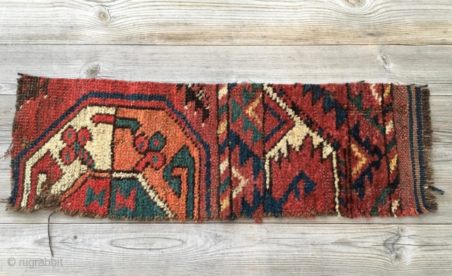 Small Turkmen rug fragment. Not relevant but for the great colors. Size is cm 18x53. Mid 19th c.