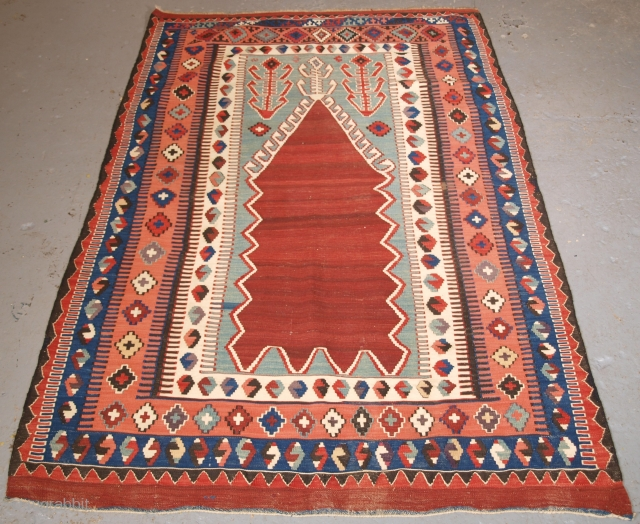 Size: 5ft 10in x 4ft 0in (178 x 123cm). www.knightsantiques.co.uk 