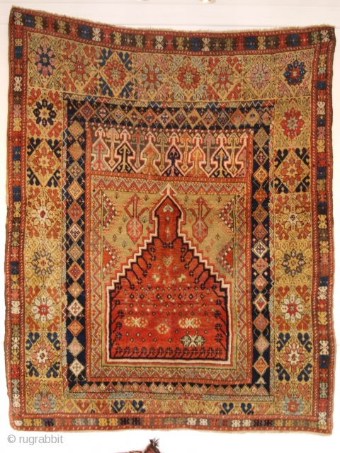 Antique Turkish Mujur prayer rug of classic design with a superb range of colours. www.knightsantiques.co.uk