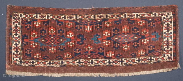 Size: 3ft 1in x 1ft 2in (94 x 36cm) face size. www.knightsantiques.co.uk   Antique Yomut Turkmen torba with well drawn kepse gul design.  Circa 1880.  A good Yomut torba with excellent colour and superb soft  ...