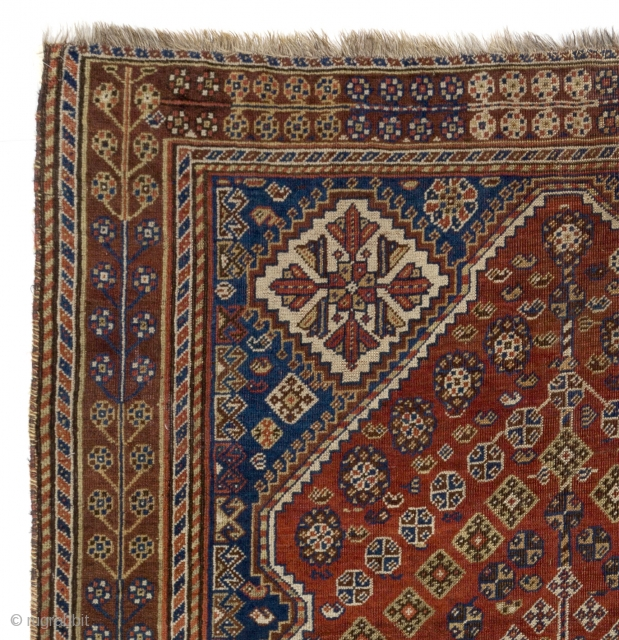 Tribal Persian Shiraz Rug, 140x200 cm, found in British countryside.