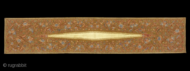 TE01434 1940-50s Kemben Batik Tulis, woman's breast cloth , cotton with hand drawn wax resist pattern of birds and flowering plants surrounding a large white lozenge known as Sindangan (beam of light). Java  ...