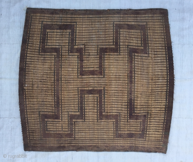 """Moroccan Reed and leather Rug En of 19th Century / Size:124X110cm / 4""""X3'7"""""""