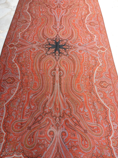 Cashmere of Lyon, circa 1880, in a perfect state, 315 x 145. Price upon request.