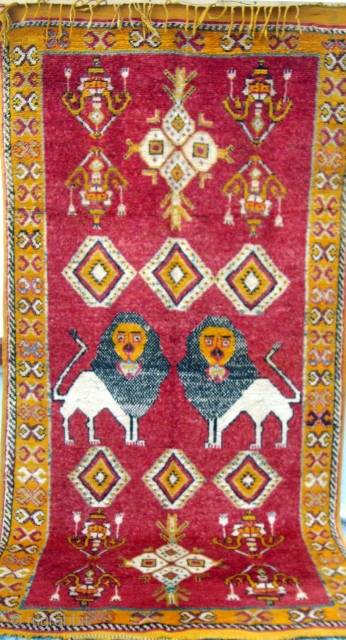 MOROCCAN BERBER HIGH ATLAS RUG. This rare old piece is from the Berbers in the Djebel Siroua which lies between the High and Anti Atlas. Occasionally it is possible to find rugs  ...