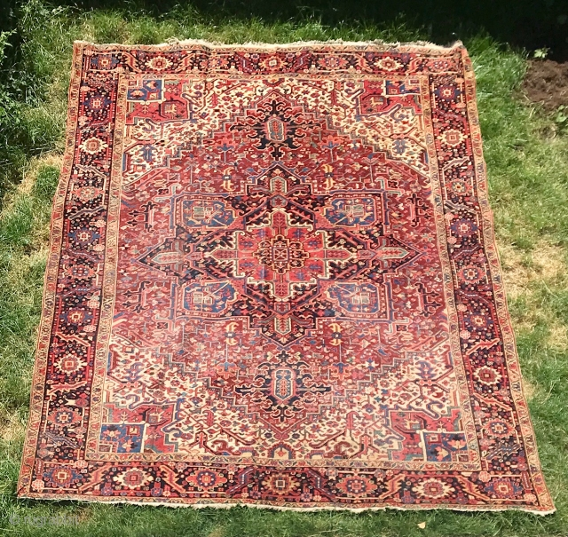 Description and origin: large Heriz carpet.