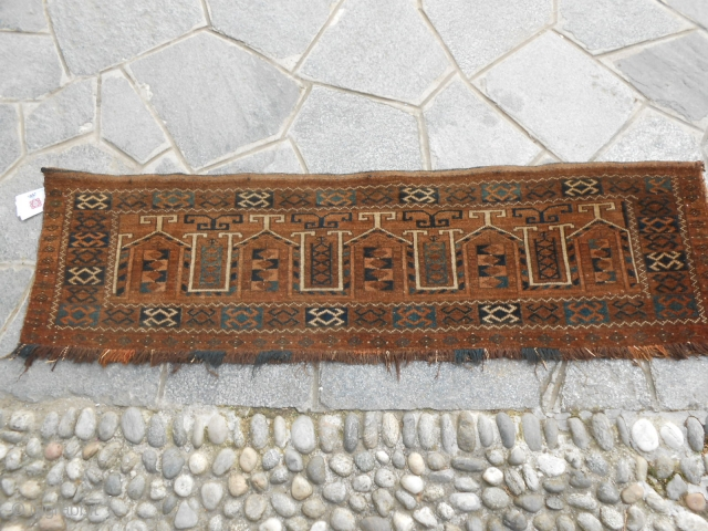 147 x 42 cm  Antique panel in very good condition. Penjerelik Turkmen tribe ERSARI wool on wool and natural dyes.