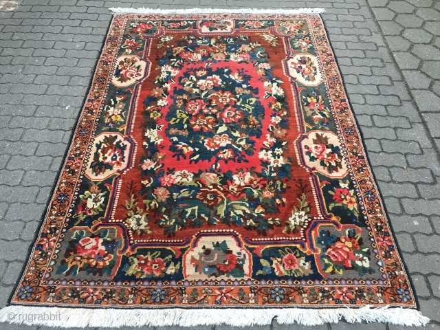 Fine antique Persian Bakhtiary rug with a classical flower or so called Golfarang design, good condition, size: ca. 235x165cm / 7'7''ft x 5'4''ft , age: circa 1920.