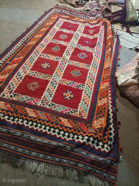 Antique sherazi kilim.100% wool.fabulous design with colour full scheme.size 305×180 cm.Email for more info and pics.